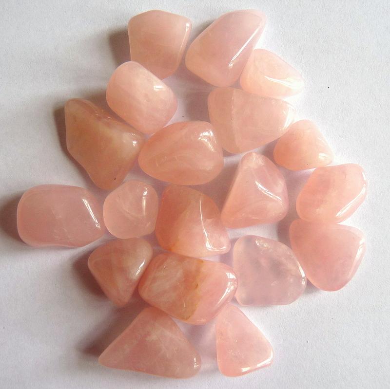 Růženín - vlastnosti kamene, horoskopy, čakry